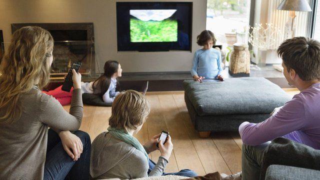 _69054735_modern-living-room
