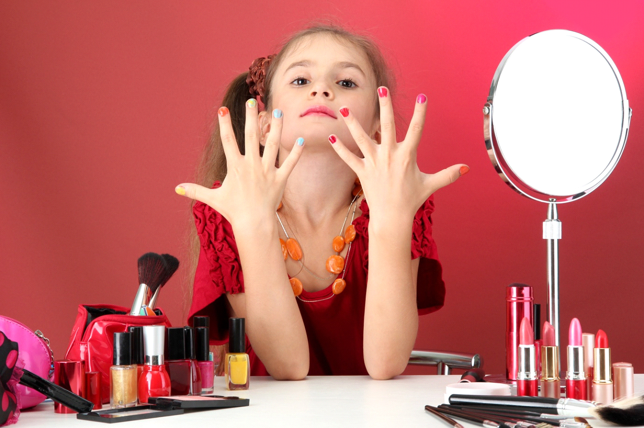 My-daughter-likes-to-wear-make-up-1